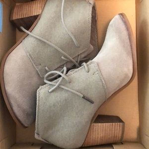 Toms Lunata Lace-up booties. Like new!